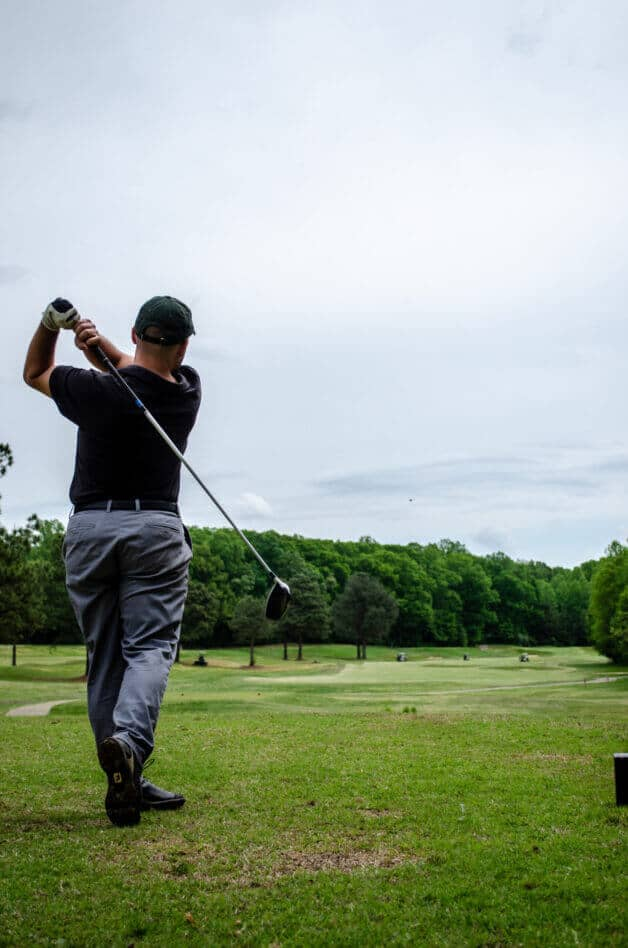 can golf pros use rangefinders